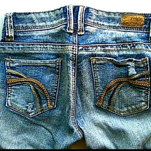 Reign distressed jeans